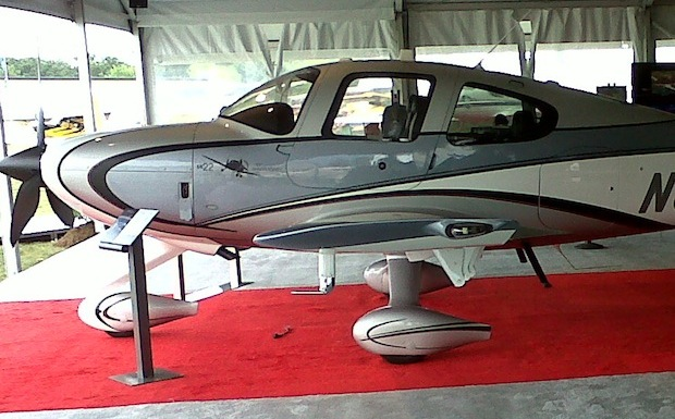 2011-Cirrus-SR22-Turbo-Plane