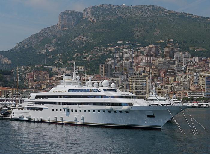 lady-moura-yacht