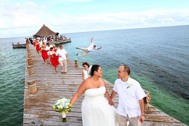 off-the-dock-wedding-photo