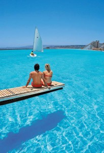 worlds-largest-swimming-pool-4